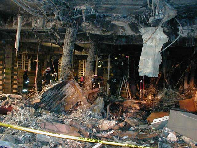 http://911research.wtc7.net/pentagon/evidence/photos/docs/interiordamage5.jpg