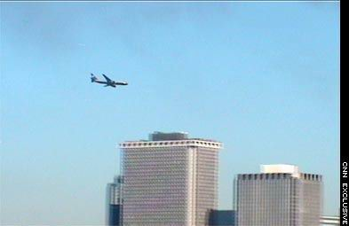 9-11 Research: Jet Approaching South Tower